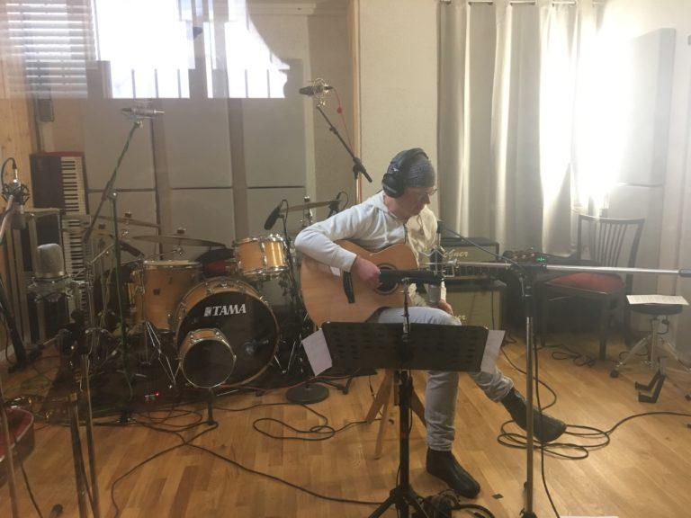 Homeland-Guitar-Martin